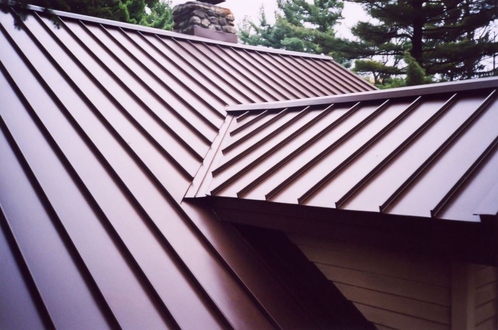 Yuk, Kenalan Dengan 4 Jenis Atap Metal Yang Kuat